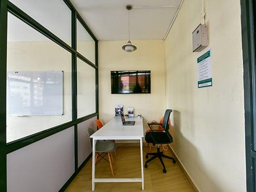 Image of the meeting room at Waridi Hub